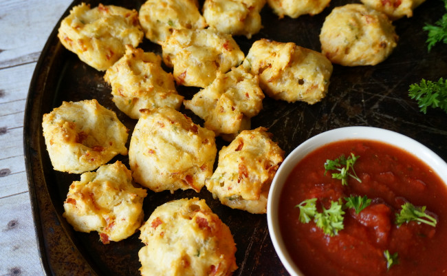 Pepperoni Cheese Puffs