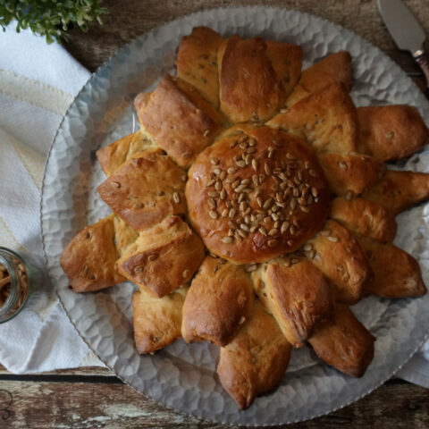 Sunflower Bread, slightly sweet and nutty, an easy multigrain bread.