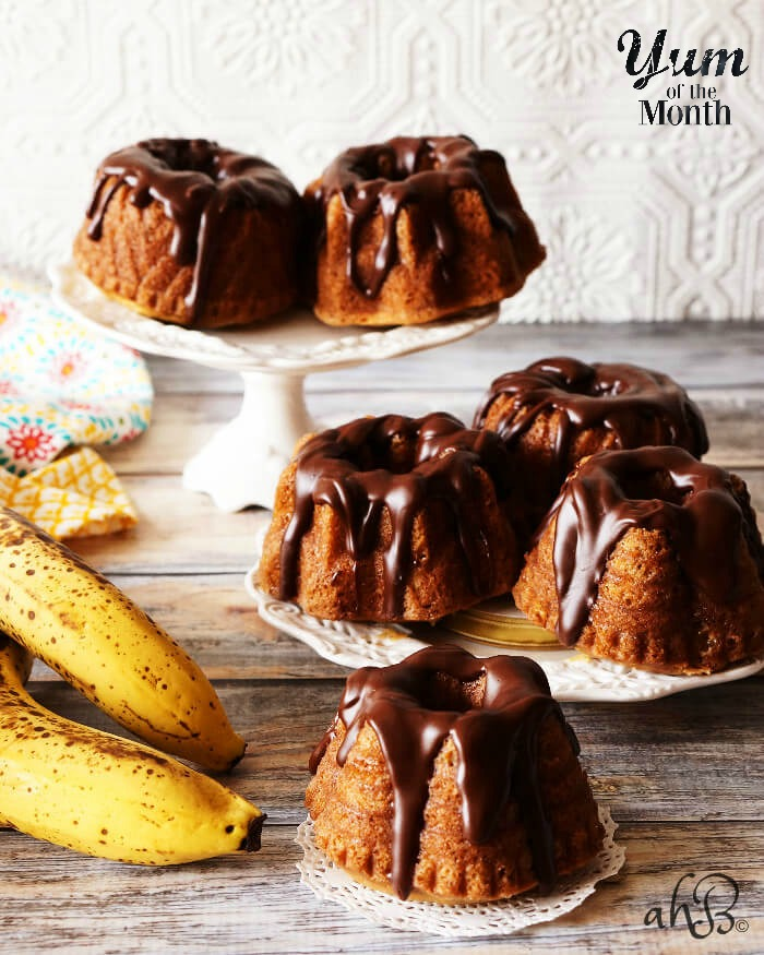 Mini Banana Bundt Cakes