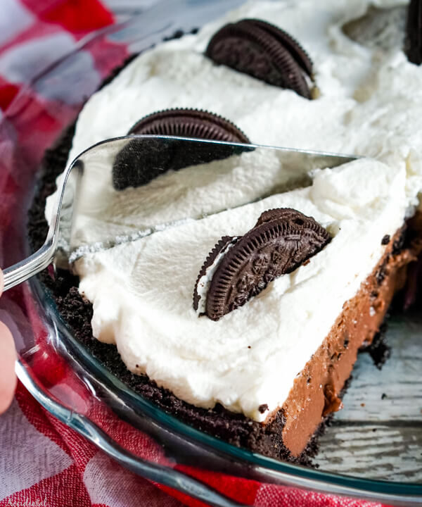 A close up of slicing into the Oreo Pie
